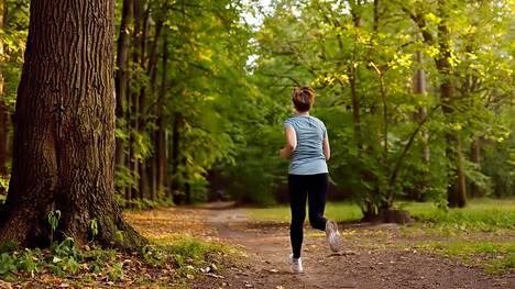 Terveyden kannalta ei ole tärkeää, liikutko pururadalla vai jossain muualla – kunhan liikut säännöllisesti.