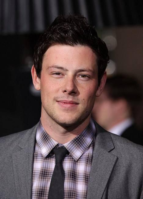 Cory Monteith kuului Glee-sarjan päänäyttelijöihin. Glee pyöri televisiossa 2009–2015.