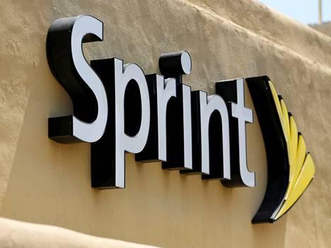 Sprint pelkää jäävänsä nuolemaan näppejään ensi vuoden taajuushuutokaupassa.
