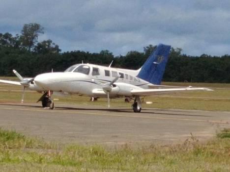 Kuva huumeiden salakuljetuksesta epäillyn rikollisjoukon käyttämästä Cessna-pienkoneesta ennen maahansyöksyä.