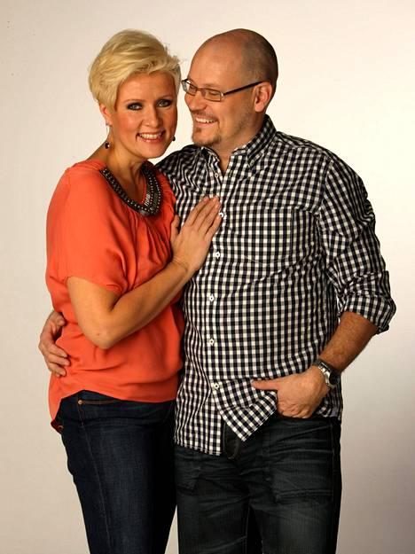 Janne Virtanen ja Hanna-Riikka Siitonen avioituivat vuonna 2003. Parilla on Vieno-tytär.