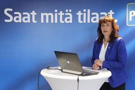 Perussuomalaisten puoluesihteeri Riikka Slunga-Poutsalo joutui rauhoittelemaan puolueen aktiiveja sähköpostitse. Viestissään hän kertoi, että puheenjohtaja Halla-aho on kehottanut Eerolaa välttämään lausuntoja, jotka voidaan tulkita tuenilmaisuksi Venäjälle.