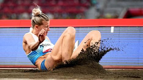 Kristiina Mäkelä hyppäsi olympiafinaalissa 14,17.