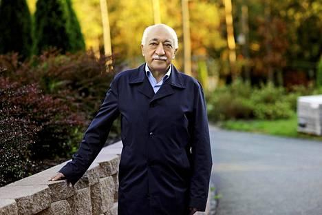 Fethullah Gülen kiisti olevansa vallankaappausyrityksen taustalla.