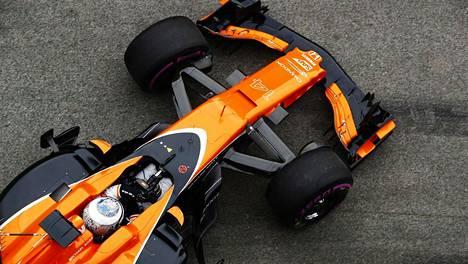 Parhaimmillaan McLarenin tuotekehittelijät voivat suunnitella uuden osan, tulostaa sen, testata ja tulostaa korjatun version yhden kisaviikonlopun aikana.