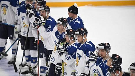 Suomella on mahdollisuus kirkastaa kilpeään lauantaina Tshekkiä vastaan murheellisen Venäjä-tappion jälkeen.