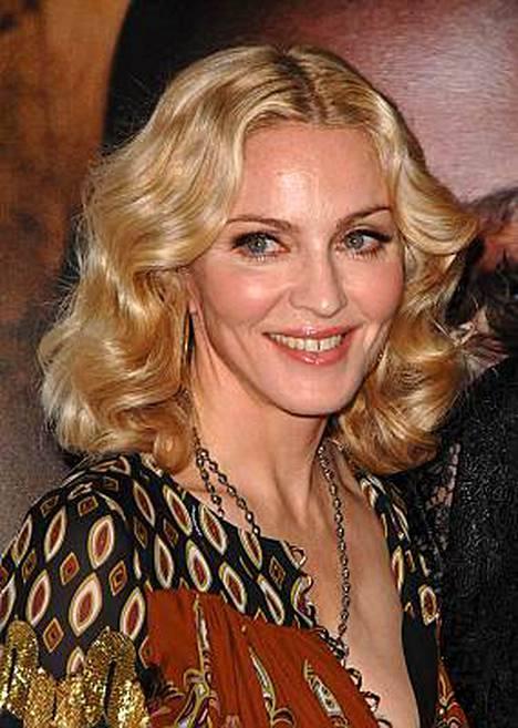 Madonna tietää Suomesta muutaman bändin lisäksi Fazerin Sinisen.