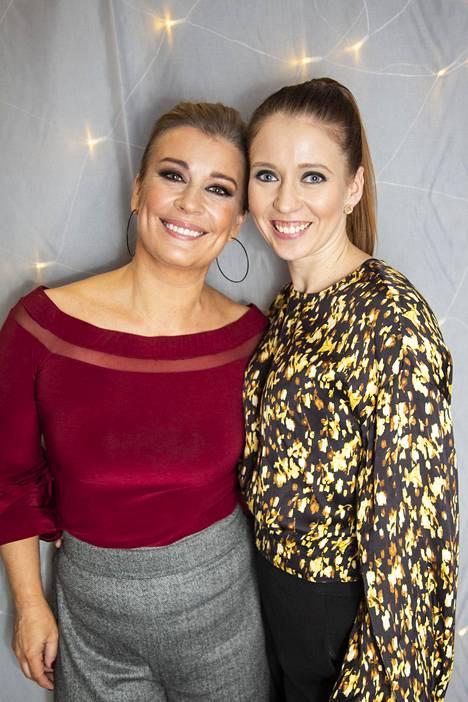 Studio-ohjelman Kirsi Alm-Siira ja Nina Rahkola MTV:n kevätkauden pressitilaisuudessa.