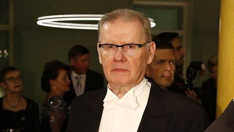 Antti Litja sairastui vakavasti viime syksynä, mutta parani niin, että pystyi osallistumaan Presidentinlinnassa järjestettyyn itsenäisyyspäivän iltajuhlaan.