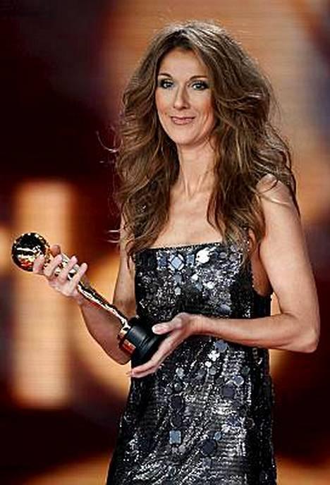 Legendaarinen kultakurkku Celine Dion konsertoi Suomessa kesäkuussa.