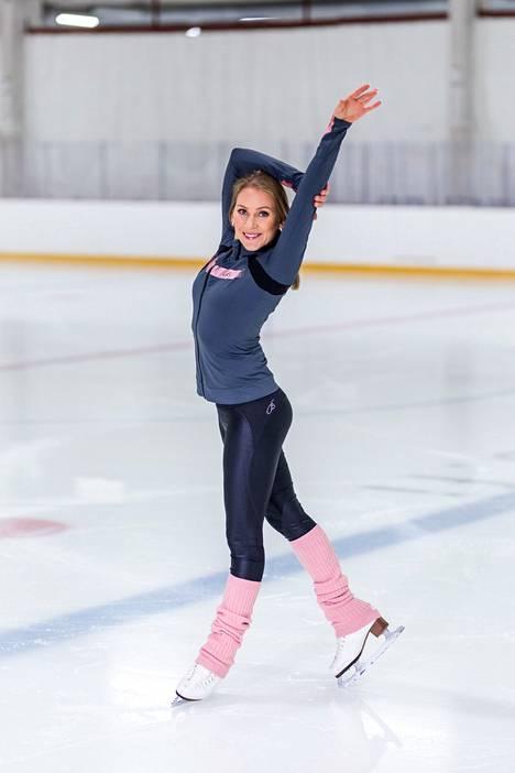Evelina Lorek on tullut tunnetuksi muun muassa Dancing on Ice -valmentajana.