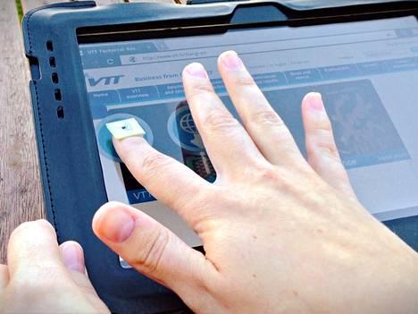 VTT:n rakennekynnellä voi siirtää tietoa laitteiden välillä.