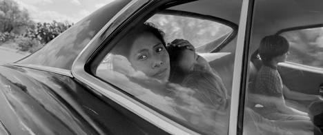 Roma sai yhteensä 10 Oscar-ehdokkuutta – muun muassa kuvauksesta. Sen pääosaa, Cleo-palvelijaa, näyttelee ehdokkuuden arvoisesti Yalitza Aparicio.