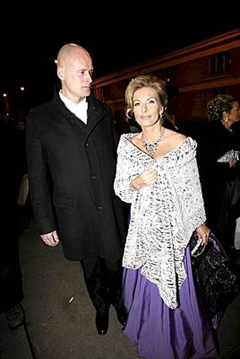Janne Erjola ylisti vaimonsa Tanja Karpelan kauneutta.