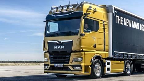 Perinteiset sivupeilit puuttuvat yhä useammasta uudesta kuorma-autosta. Eräs tuoreista esimerkeistä on kuvan MAN TGX.