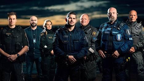 Ahvenmaan sankareissa tutustutaan muun muassa Jonaksen, Adamin, Jessican, Nicolain, Robbanin, Timon ja Matsin työhön.