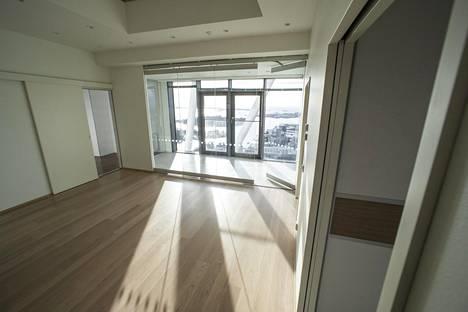 Kattohuoneistoissa on paljon ikkunapinta-alaa.