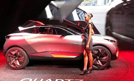 Peugeot on nyt innostunut aavikkokilpailuista, josta kertoi ensin viime keväänä Pekingissä nähty 2008 DKR ja nyt Quartz jatkaa samaa teemaa.
