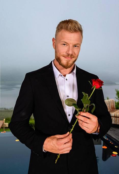 – Mieluummin olen onnellinen yksin kuin onneton parisuhteessa, sanoo Juha Rouvinen, Bachelor Suomi -ohjelman poikamies.