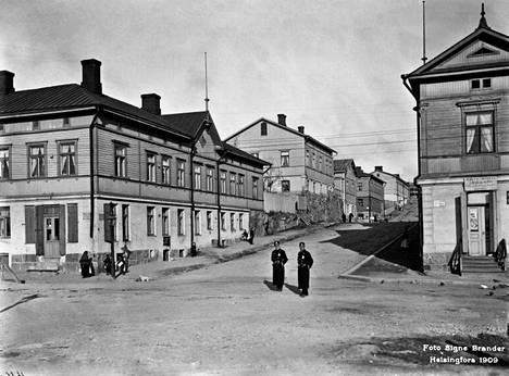 12. Lönnrothinkatu eli nykyinen Suonionkatu vuonna 1909.
