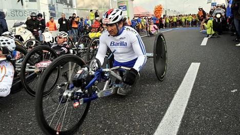 Alex Zanardi on parapyöräilyn legenda. Kuva vuodelta 2010.