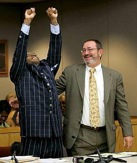 Amerikkalaismies Patrick Waller, 38, vapautettiin vankilasta yli 15 vuoden perusteettoman tuomion jälkeen.