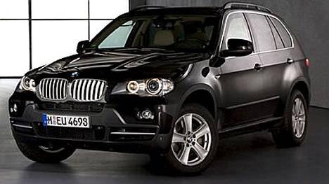 BMW X5:llä ajelevat mm. Wayne Rooney, Rio Ferdinand ja John Terry.