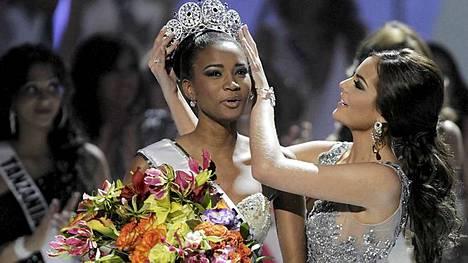 Miss Angola Leila Lopes on yksi harvoja tummaihoisia Miss Universum -voittajia.