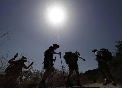 Pyhiinvaeltajia Espanjan helteessä 6. elokuuta 2018.