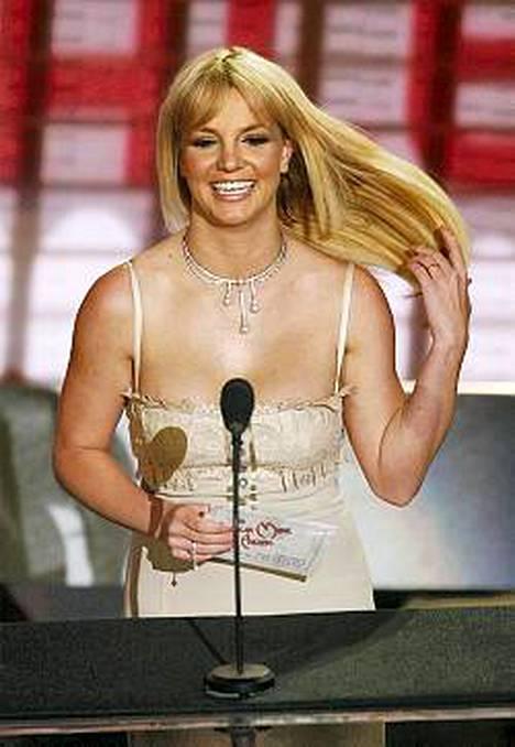 Britney Spears ei jäänyt odottelemaan erottuaan miehestään, räppäri Kevin Federlinesta.