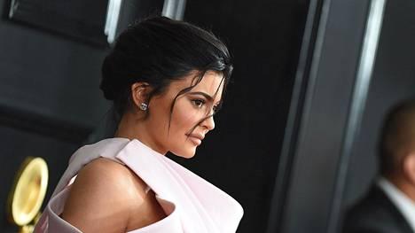 Kylie Jenner on päässyt kaikkien aikojen nuorimpana itse omaisuutensa hankkineena talouslehti Forbesin miljardöörien listalle.