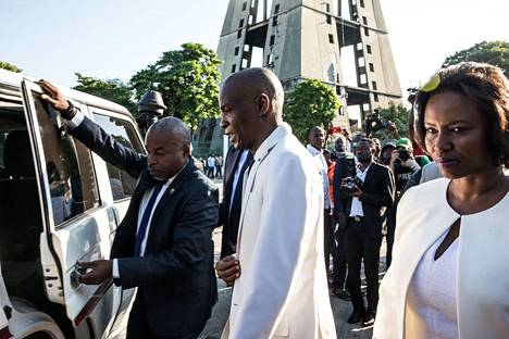 Haitin presidentti Jovenel Moïse ja hänen puolisonsa Martine Moïse kuvattiin Port-au-Princessä lokakuussa 2019, kun he osallistuivat itsenäisen Haitin ensimmäisen johtajan, vallankumoustaistelija Jean-Jacques Dessalinesin salamurhan vuosipäivän seremoniaan.