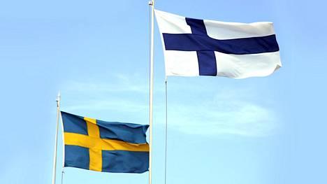 Ruotsalaiset ovat hakeneet tänä vuonna Suomen kansalaisuutta kaksi kertaa ahkerammin kuin normaalisti.
