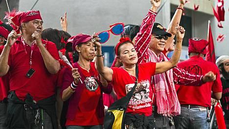 Punapaitoina tunnetut Thaimaan oppositiovoimat järjestivät sunnnuntaina Bangkokissa hallituksen vastaisen mielenosoituksen.