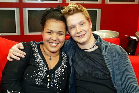 Victoria ja kanssakisaaja Christian Forss Idolsin aikaan.