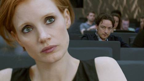 Jessica Chastain ja James McAvoy tulkitsevat parisuhteen tarinan kahdesta eri näkökulmasta.