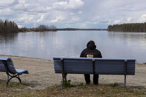 Anne on koronakeväänä ihmetellyt, missä kaikki muut yksinäiset ovat.