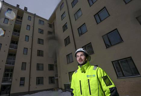 Matti Lindgrenin mukaan lumien pudottamista vaarallisempaa on se, jos ne jätetään pudottamatta.