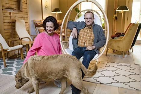 Saara Kankaanrinta ja Ilkka Herlin avioituivat vuonna 2009. Kolmilapsinen perhe asuu Hangossa.