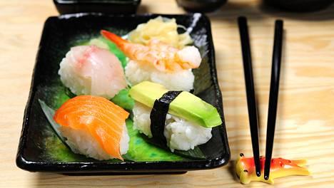 Sushi on jo monen suomalaisen suosikkiruokaa.