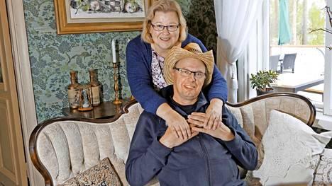 Anne ja Markku Saukon yhteinen taival alkoi Palsanmäkien huutokaupassa.
