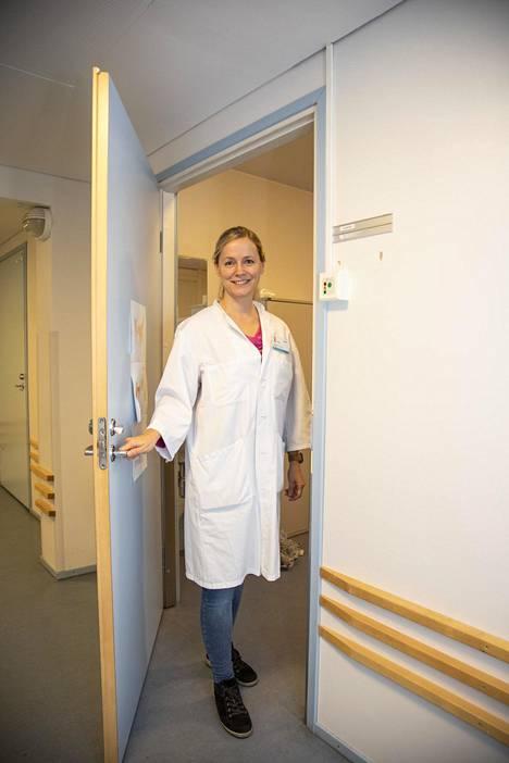 Silja Kosola oli Pohjoismaiden ensimmäinen nuorisolääketieteen dosentti. Nuorisolääketiede tarkoittaa kaikkea lääketiedettä, joka koskettaa 10–24-vuotiaita nuoria.