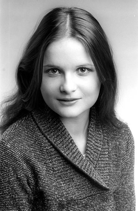 20-vuotias Laila 70-luvun lehtikuvassa. Tuolloin hän työskenteli mallina.