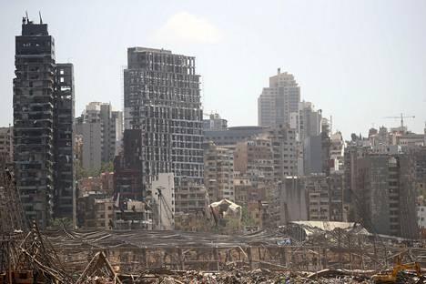 Beirutin satamaan varastoidun ammoniumnitraatin räjähtäminen tuhosi satama-alueen lisäksi laajoja osia kaupungista.