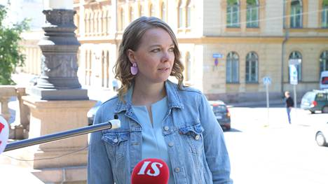 Katri Kulmuni on saanut mediavalmennusta mm. haastattelutilanteisiin.