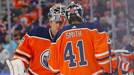 Mikko Koskinen ja Mike Smith muodostavat Edmonton Oilersin maalivahtitandemin myös alkavalla kaudella.