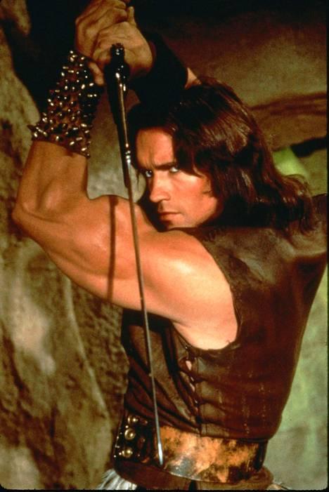 Fanit hehkuttavat, että Joseph voisi seurata isänsä jalanjäljissä Conan Barbaarin rooliin.