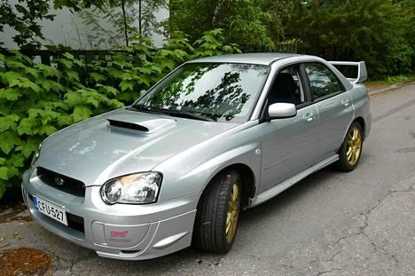 Subaru WRX kuvattuna Espoossa 2003.
