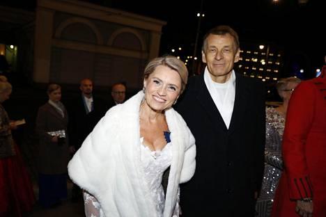 Päivi ja Niilo Räsänen saapumassa Linnan juhliin.