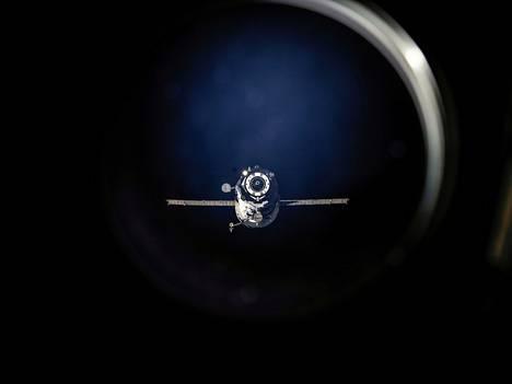 Aiempi Progress-alus lähdössä ISS:ltä heinäkuussa 2013.